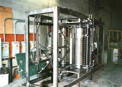 Machine à former la tôle agricole