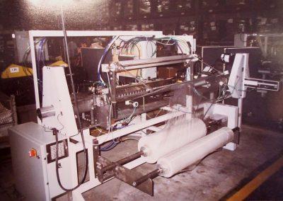 Machine à plier la pellicule de plastique